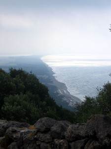 Vista da città di Cosa verso la costa di Vulci