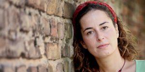 Tuerkische Autorin Pina Selek in Berlin, Foto Amelie Losier